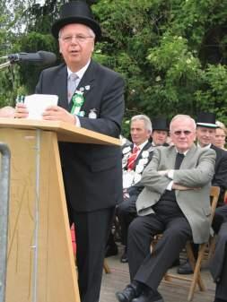 Vorsitzender Ewald Koller begrüßt die Gastvereine.